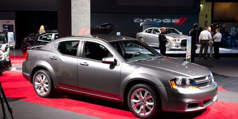 Tire, Wheel, Motor vehicle, Automotive design, Vehicle, Land vehicle, Automotive lighting, Automotive tire, Car, Rim,