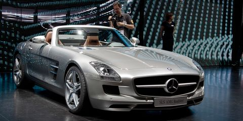 Automotive design, Mode of transport, Vehicle, Grille, Headlamp, Performance car, Car, Personal luxury car, Mercedes-benz, Fender,