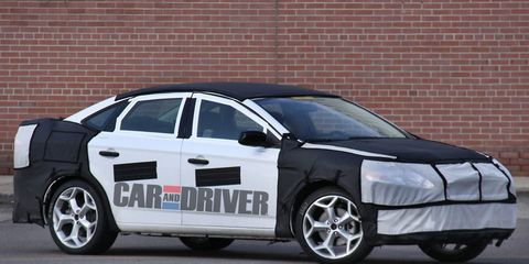 Tire, Wheel, Window, Vehicle, Alloy wheel, Rim, Automotive wheel system, Car, Automotive tire, Fender,