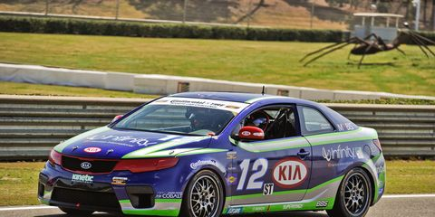 Tire, Wheel, Vehicle, Land vehicle, Car, Motorsport, Racing, Auto racing, Alloy wheel, Rim,