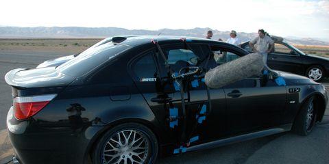 Tire, Wheel, Automotive design, Vehicle, Land vehicle, Alloy wheel, Automotive tire, Rim, Trunk, Car,