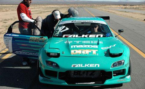 Automotive design, Vehicle, Hood, Performance car, Car, Motorsport, Sports car racing, Automotive exterior, Sports car, Race car,