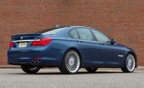 Tire, Wheel, Mode of transport, Alloy wheel, Vehicle, Automotive tire, Spoke, Rim, Automotive design, Automotive wheel system,