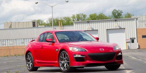 Tire, Wheel, Automotive design, Mode of transport, Vehicle, Automotive mirror, Land vehicle, Car, Rim, Performance car,