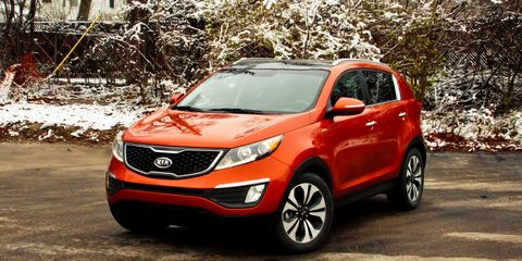Motor vehicle, Tire, Wheel, Vehicle, Automotive design, Land vehicle, Car, Glass, Automotive lighting, Automotive mirror,