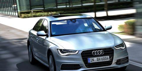 Automotive design, Automotive mirror, Vehicle, Grille, Automotive exterior, Vehicle registration plate, Car, Audi, Headlamp, Personal luxury car,