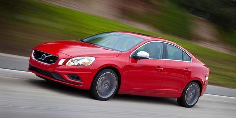 Tire, Wheel, Automotive design, Vehicle, Land vehicle, Car, Road, Headlamp, Rim, Red,