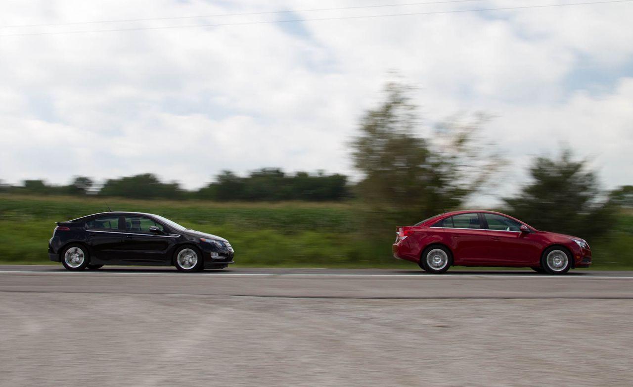 2017 Chevrolet Volt Vs Cruze Eco