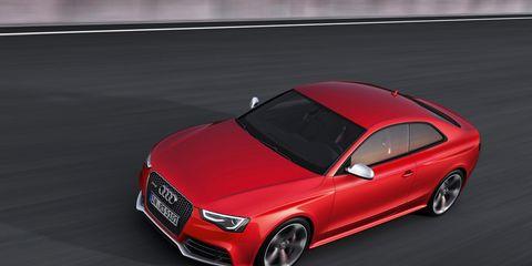 Tire, Mode of transport, Automotive design, Automotive mirror, Vehicle, Automotive lighting, Alloy wheel, Car, Rim, Grille,