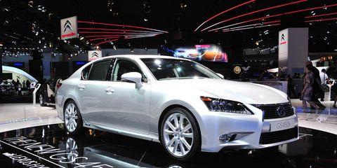Wheel, Tire, Automotive design, Vehicle, Land vehicle, Event, Car, Alloy wheel, Mid-size car, Auto show,