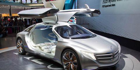 Tire, Wheel, Mode of transport, Automotive design, Vehicle, Land vehicle, Event, Car, Concept car, Auto show,