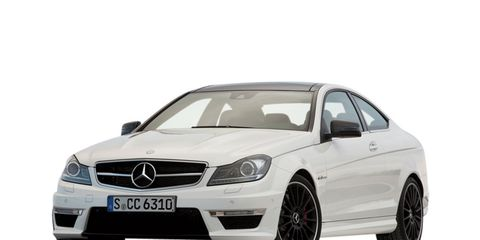 Tire, Wheel, Mode of transport, Automotive design, Vehicle, Alloy wheel, Automotive tire, Hood, Automotive mirror, Rim,
