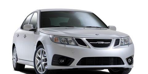 Motor vehicle, Product, Daytime, Glass, Vehicle, Automotive mirror, Automotive lighting, Headlamp, Hood, Grille,