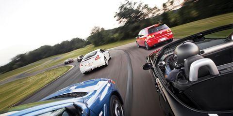 Motor vehicle, Mode of transport, Automotive mirror, Automotive design, Vehicle, Land vehicle, Automotive exterior, Car, Performance car, Rear-view mirror,
