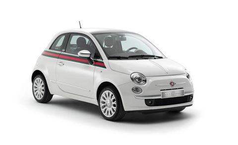 Motor vehicle, Tire, Wheel, Automotive mirror, Automotive design, Vehicle, Rim, Automotive lighting, Car, Alloy wheel,