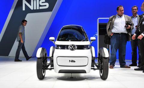 Tire, Wheel, Automotive design, Automotive tire, Fender, Concept car, Automotive wheel system, Rim, Alloy wheel, Auto show,