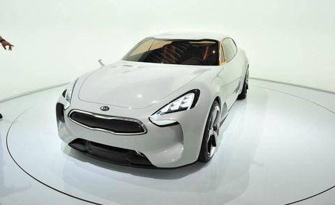 Tire, Automotive design, Product, Vehicle, Headlamp, Car, White, Automotive lighting, Fender, Rim,