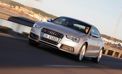 Tire, Wheel, Automotive design, Vehicle, Land vehicle, Road, Automotive mirror, Headlamp, Transport, Grille,