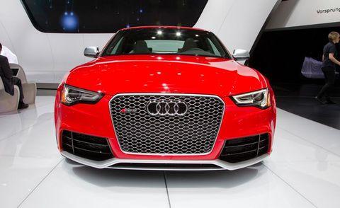 Automotive design, Vehicle, Event, Land vehicle, Grille, Car, Luxury vehicle, Hood, Automotive lighting, Concept car,