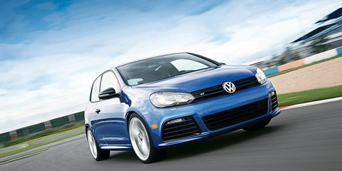 Automotive design, Daytime, Vehicle, Land vehicle, Car, Rim, Alloy wheel, Headlamp, Grille, Bumper,