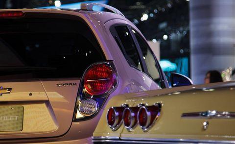 Motor vehicle, Automotive tail & brake light, Automotive design, Vehicle, Automotive exterior, Automotive lighting, Car, Trunk, Light, Automotive parking light,