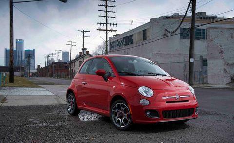 Tire, Wheel, Motor vehicle, Automotive design, Vehicle, Alloy wheel, Rim, Automotive wheel system, Car, Automotive lighting,