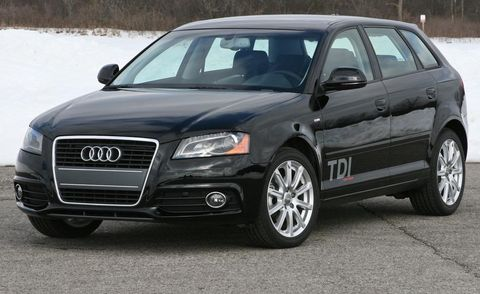Tire, Motor vehicle, Wheel, Automotive design, Vehicle, Land vehicle, Automotive mirror, Automotive tire, Glass, Headlamp,