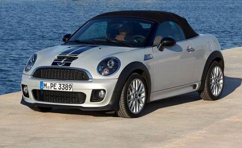 Tire, Automotive design, Vehicle, Land vehicle, Car, Hood, Grille, Headlamp, Automotive mirror, Vehicle door,