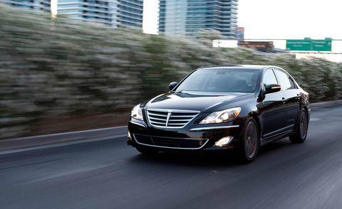 Automotive design, Automotive mirror, Vehicle, Headlamp, Automotive lighting, Grille, Road, Automotive parking light, Hood, Car,