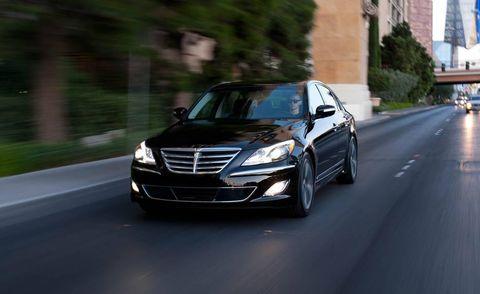 Automotive mirror, Mode of transport, Road, Automotive design, Automotive lighting, Grille, Transport, Infrastructure, Road surface, Asphalt,