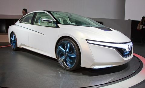 Mode of transport, Automotive design, Transport, Vehicle, Product, Car, Automotive mirror, Vehicle door, Personal luxury car, Glass,