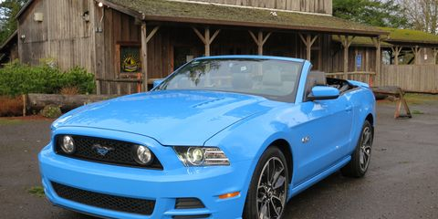 Blue, Daytime, Automotive design, Vehicle, Hood, Headlamp, Grille, Car, Automotive exterior, Fender,