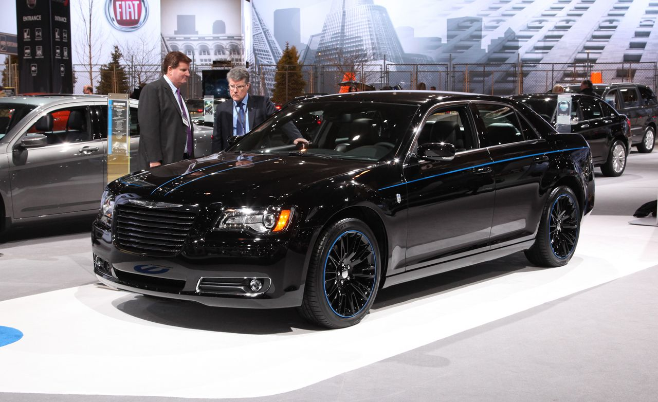 2021 Chrysler 300 Srt8 Photos
