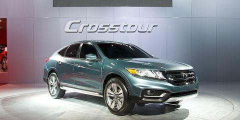 Tire, Wheel, Automotive design, Product, Vehicle, Event, Land vehicle, Automotive tire, Automotive lighting, Car,