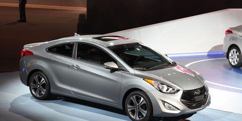 Hyundai Elantra Coupe >> 2013 Hyundai Elantra Coupe Photos And Info 8211 News