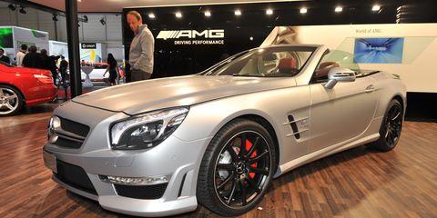 Wheel, Tire, Automotive design, Vehicle, Land vehicle, Alloy wheel, Car, Rim, Performance car, Grille,