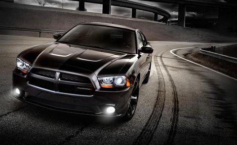 Motor vehicle, Automotive design, Automotive lighting, Vehicle, Hood, Headlamp, Road, Grille, Infrastructure, Automotive exterior,