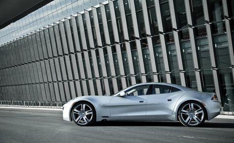 Tire, Wheel, Automotive design, Automotive tire, Vehicle, Rim, Alloy wheel, Automotive wheel system, Car, Spoke,