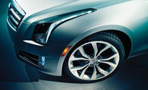 Tire, Motor vehicle, Wheel, Automotive tire, Automotive design, Vehicle, Land vehicle, Automotive lighting, Automotive wheel system, Alloy wheel,