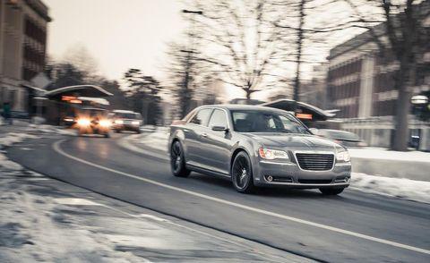 Tire, Motor vehicle, Wheel, Road, Transport, Automotive design, Vehicle, Automotive mirror, Land vehicle, Automotive parking light,