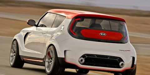 Motor vehicle, Automotive design, Mode of transport, Vehicle, Automotive tire, Automotive mirror, Car, Automotive exterior, Fender, Automotive wheel system,