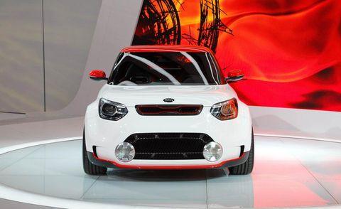 Motor vehicle, Automotive design, Product, Vehicle, Headlamp, Automotive lighting, Grille, Hood, Car, Automotive mirror,