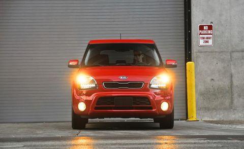 Motor vehicle, Automotive design, Automotive mirror, Automotive lighting, Vehicle, Automotive parking light, Headlamp, Grille, Car, Automotive exterior,