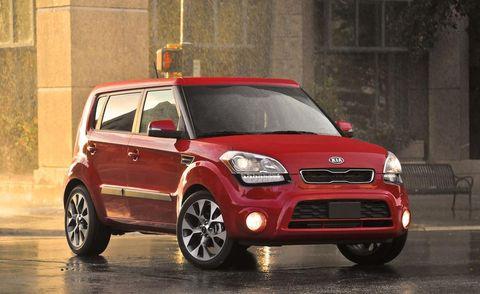 Tire, Motor vehicle, Wheel, Automotive design, Automotive mirror, Vehicle, Automotive lighting, Car, Rim, Vehicle door,