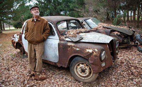 Tire, Vehicle, Land vehicle, Classic car, Car, Hat, Vehicle door, Fender, Classic, Antique car,