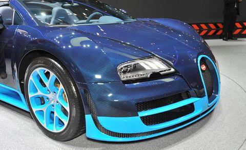Automotive design, Vehicle, Land vehicle, Car, Grille, Rim, Alloy wheel, Bugatti, Performance car, Hood,