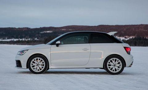Tire, Wheel, Automotive design, Mode of transport, Automotive mirror, Automotive tire, Vehicle, Alloy wheel, Rim, Winter,