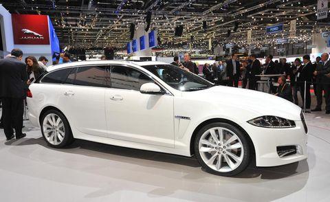 Tire, Wheel, Automotive design, Vehicle, Event, Land vehicle, Rim, Car, Alloy wheel, Automotive tire,