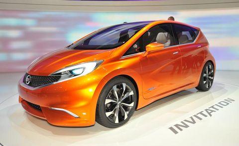 Motor vehicle, Tire, Wheel, Mode of transport, Automotive design, Vehicle, Transport, Land vehicle, Car, Automotive mirror,