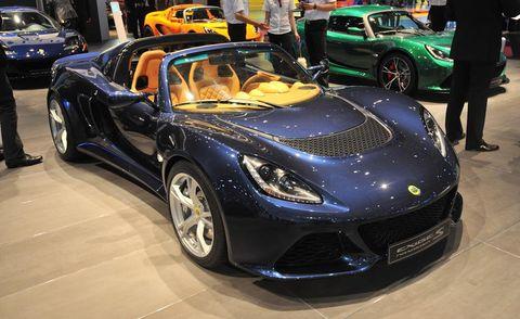 Tire, Wheel, Automotive design, Mode of transport, Vehicle, Land vehicle, Car, Performance car, Personal luxury car, Rim,